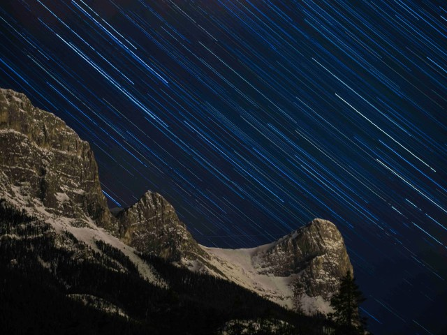 Stars-over-Ha-Ling