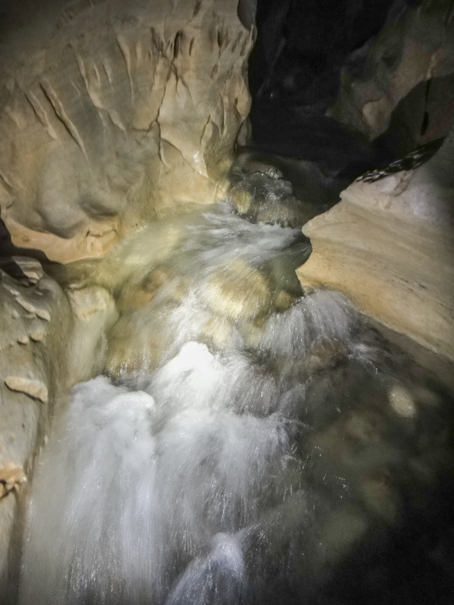 Cave-Stream