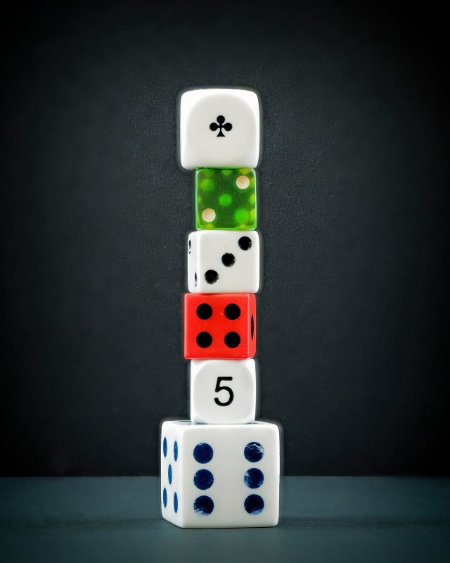six-dice-stack