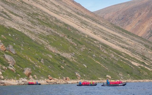 zodiacs-nackvak-fjord