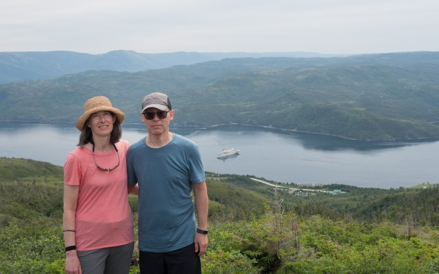 couple-above-bonne-bay-gros-morne