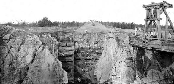 Phosphatière du temps de son exploitation à la fin du 19eme siècle