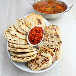 Naan bread. Image from curryandcomfort.yummly.com