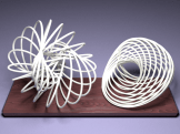 sumber: http://maxwelldemon.com/2010/01/14/spirographs-and-the-third-dimension/