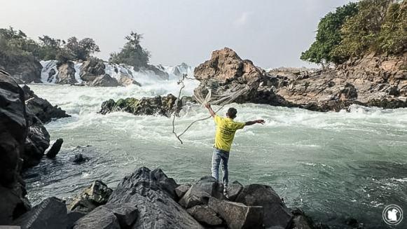 Pêcheur à Khone Phapheng