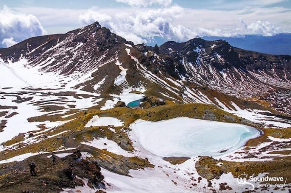 tongariro crossing - emerald lakes - soundwave on the road