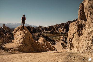 Enora admirant la superbe vue de la Quebrada de las Flechas