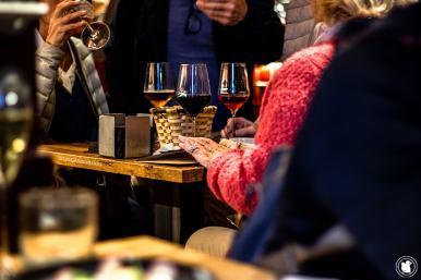 Scène de vie dans un bar à pintxos de San Sebastian - blogtrip Nekatur