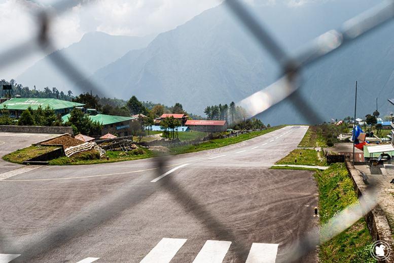Trek des 3 cols - Lukla et son aéroport Tenzing-Hillary