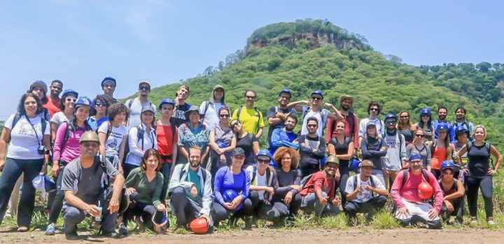 Foto em grupo dos participantes da visita