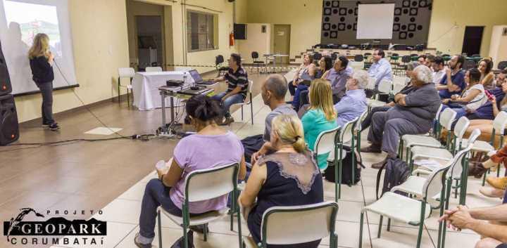 Apresentação da Profa. Luciana Cordeiro da FCA Unicamp Limeira