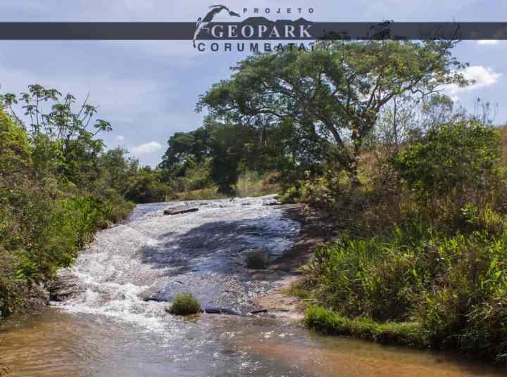 Salto do Escorrega, localizado no município de Analândia - SP