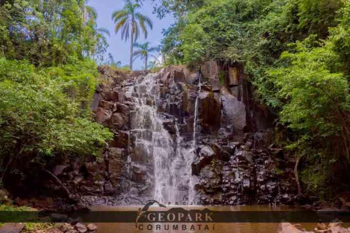 Cachoeira São José, localizada no alto da Serra de Itaqueri