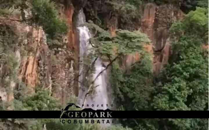 Cachoeira da Lapinha, localizada no alto da Serra de Itaqueri, em Ipeúna. Foto: Kolya AA, 2018