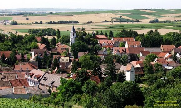 Die Ortsmitte von Harxheim - Bild Nr. 200307124735