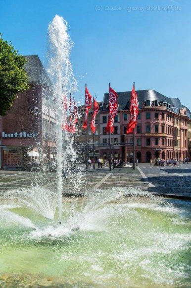 201307071585 - Springbrunnen auf dem Markztplatz