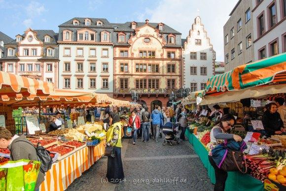 Mainzer Wochenmarkt und die Markthäuser - Bild Nr. 201404122807