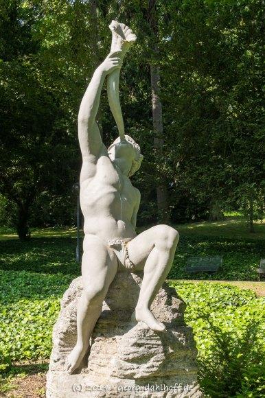 Triton-Skulptur im Mainzer Stadtpark - Bild Nr. 201405180465