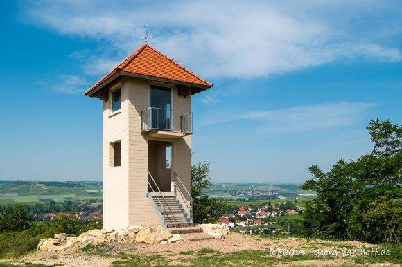 Wingertsturm oberhalb Stadecken-Elsheim - Bild Nr. 201406080660