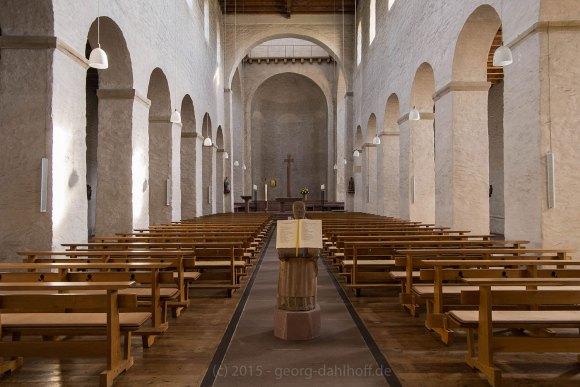 Romanische Basilika: Innenansicht - Bild Nr. 201504122076