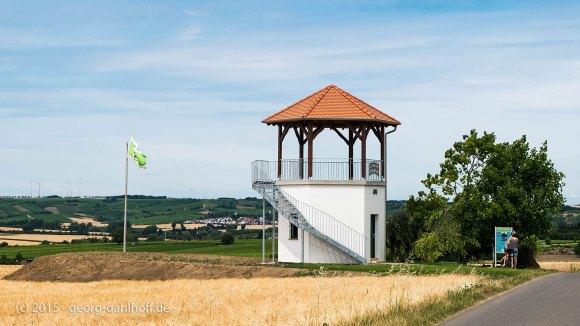 Der neue Weinbergsturm auf dem Lörzweiler Königsstuhl - Bild Nr. 201507122723
