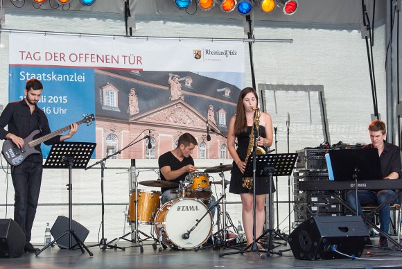 Jazz-Combo des Landesmusikgynasiums Montabaur - Bild Nr. 201507184703