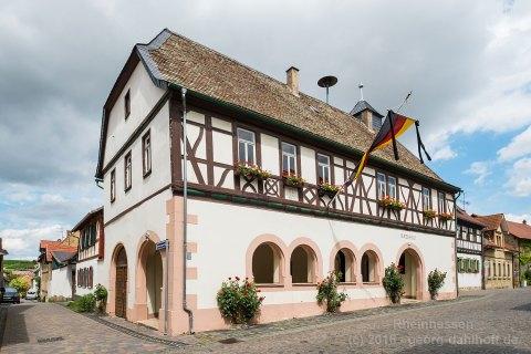 Rathaus Bechtolsheim - Bild Nr. 201607304847