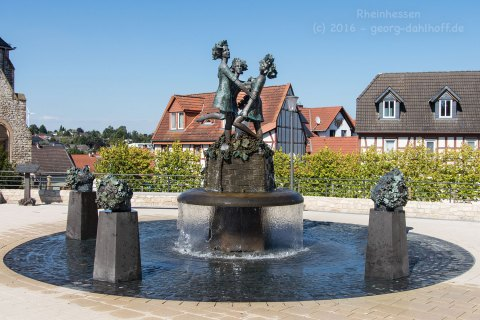 Drei-Grazien-Brunnen - Bild Nr. 201608170686