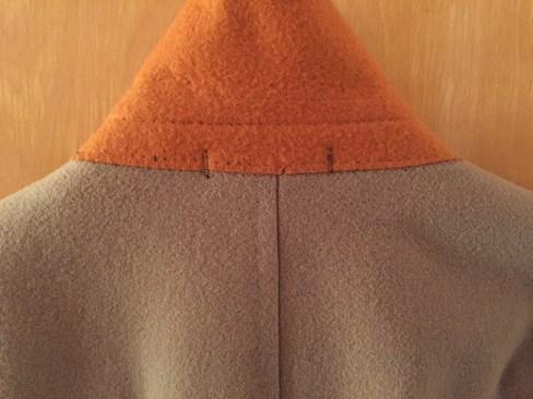 Orange collar felt.