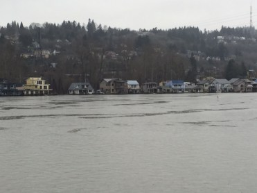 Looking west toward homes on the west bank of the Willamette River.