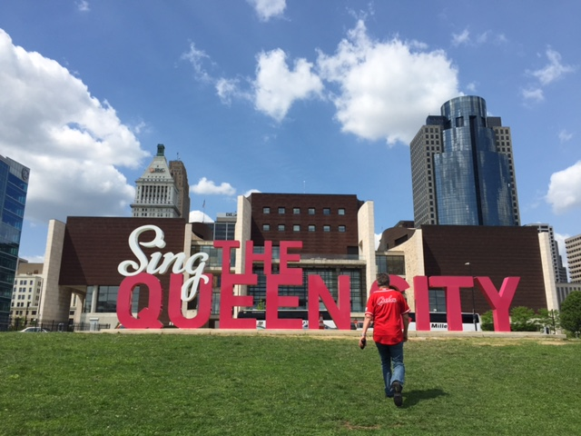 "The ""Sing the Queen City"" 3D Art Sculpture, is the signature piece and part of the ArtWorks urban public art project known as ""CincyInk."" (Photography by Brooke Hanna.)"