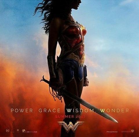 I really like this poster! regram @hablemosdecine Y la San Diego Cómic Con sigue dando de qué hablar con este nuevo #Poster de #WonderWoman @gal_gadot  #WWxSDCC #SDCC #ComicCon #Noticias #HablemosDeCine #galgadot