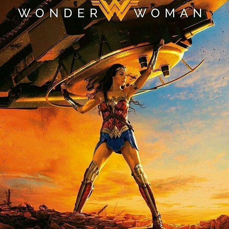 Sweep the floor under the tank. The corners too. The corners! Excellent. I'm putting it down now.  #cine #noticia #wonderwoman #mujermaravilla #estadosunidos #venezuela #vargas #Galgadot #DianaPrince #estrenos #actual #instaflicks #tank #housecleaning #dc #justiceleague #greekmythology #goddess #artemis