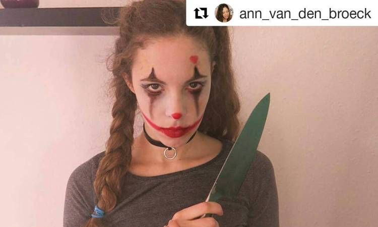 Meet the crazy little elf with the cutest nose in the world. Her name is Ann. Follow and subscribe on YouTube  #Repost @ann_van_den_broeck ・・・ #clown #halloween #killerclown #scary #makeup #asmr #youtube #nothisisntrelaxing