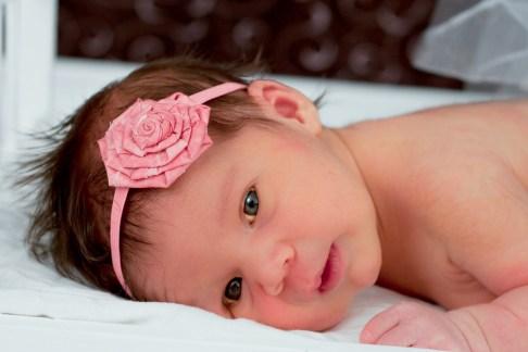 Briana newborn pictures 050