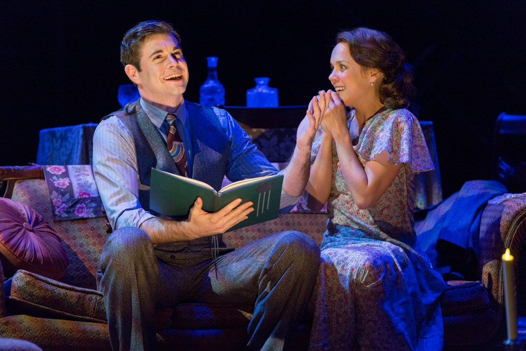 Blue Roses: Ford Theatre's <i>The Glass Menagerie</i> is Rare, Delicate