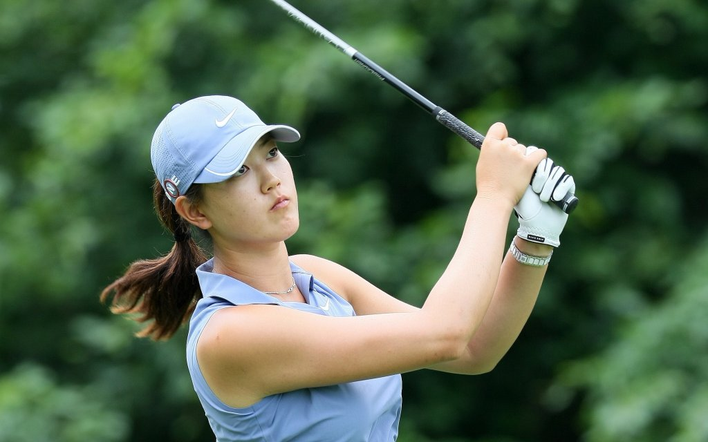Female Golfers Should Wear What They Want