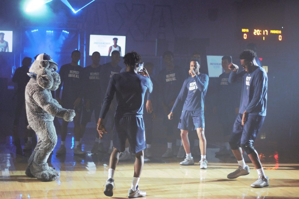 Photo Gallery: Hoya Madness