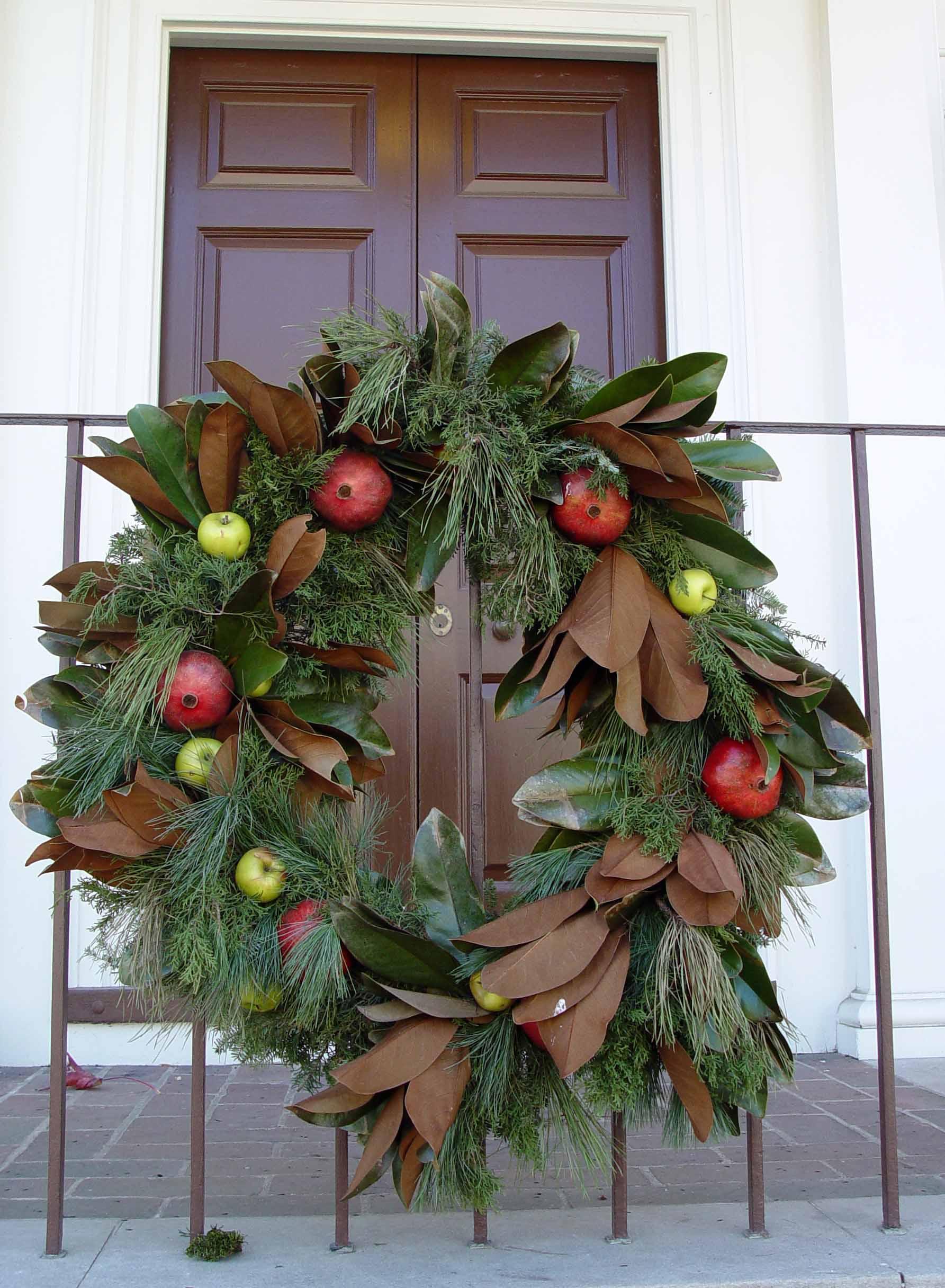 Garden Housecalls  Top 8 Williamsburg Christmas Wreaths