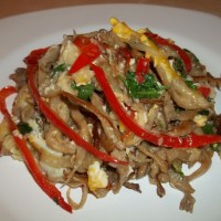 About Food - Oyster Mushrooms with Eggs and Sweet Red Pepper