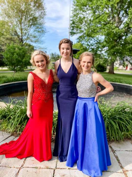 16-Haley teammates Aliza, Kinley and Aleah all set for prom after a great 2021 club volleyball season!