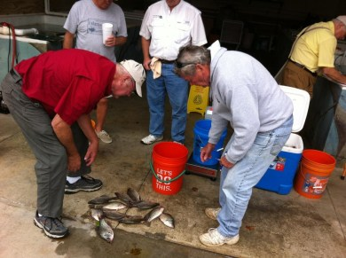 crappie-nga-club-weigh-in-at-sherrys-oct2016-pic1