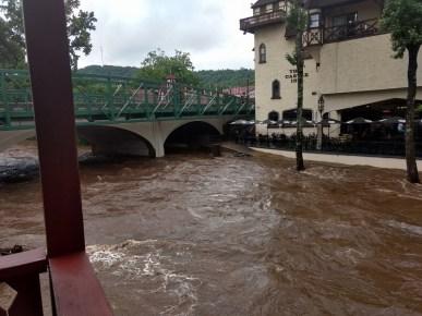 Hooch in Helen flood 5-29-18 Crawfordpic1small