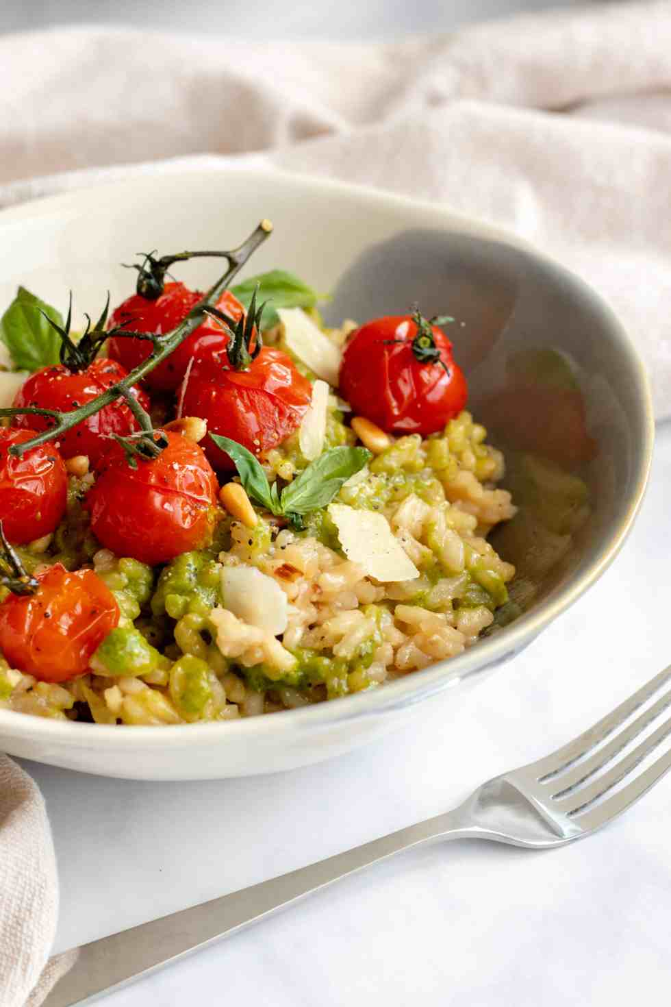 Baked Pesto Risotto with Roasted Tomatoes - Vegan, GF & healthy! Georgie Eats.