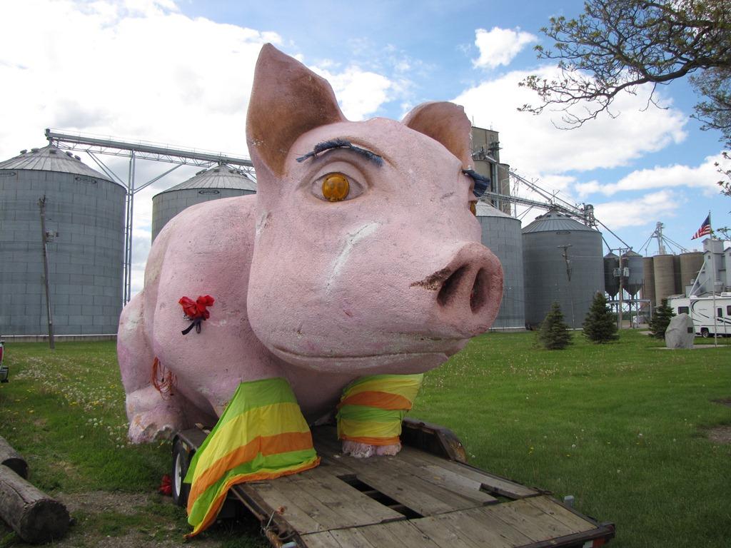 2011 Gera Old Tractor Club Pig Roast & Collector Calendar Sale