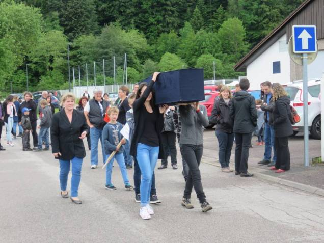 collège Granges Cercueil flamme marche (2)