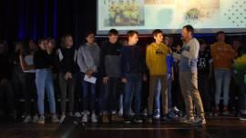Le sport, c'est aussi en scolaire avec l'équipe UNSS de tennis et celle de volley qui se sont illustrées cette année.