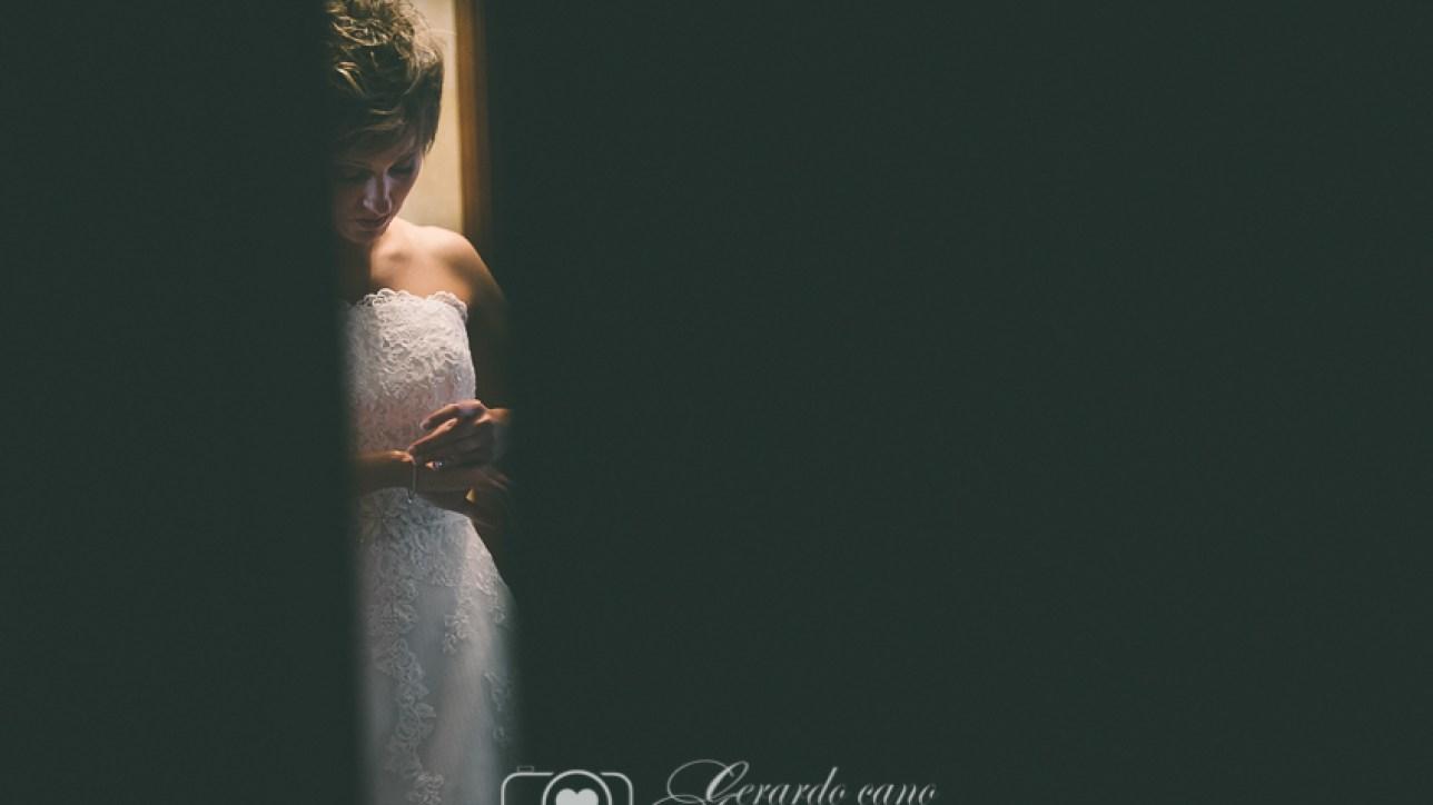 Foto artística de boda en León - Preparativos de novia