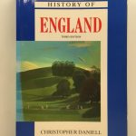 A Traveller's History of England (The Traveller's History Series)