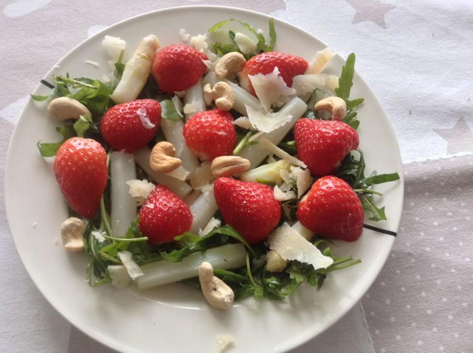 asperge aardbei salade